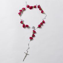 Rosary Holding 18 Roses