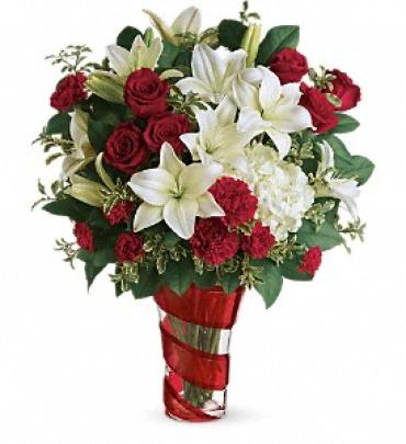 Teleflora\'s Work Of Heart Bouquet